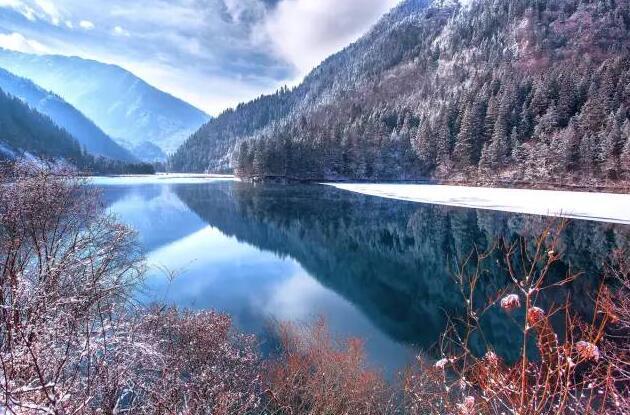 九寨沟的冬季