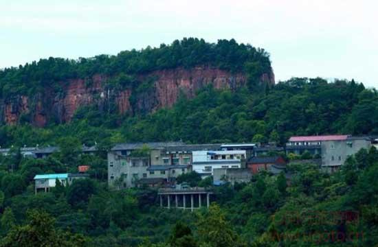 彭州丹景山10、丹景山丹景山距离成都