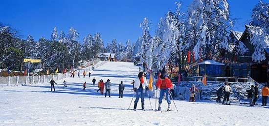 峨眉山滑雪场峨眉山滑雪场滑道峨眉山滑雪场